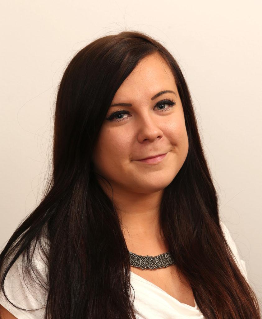 Sofie Brander toimii asiakaspalveluvastaavana. Sofie vastaa pääkonttorillamme siitä, että asiakkaat saavat parasta mahdollista palvelua.