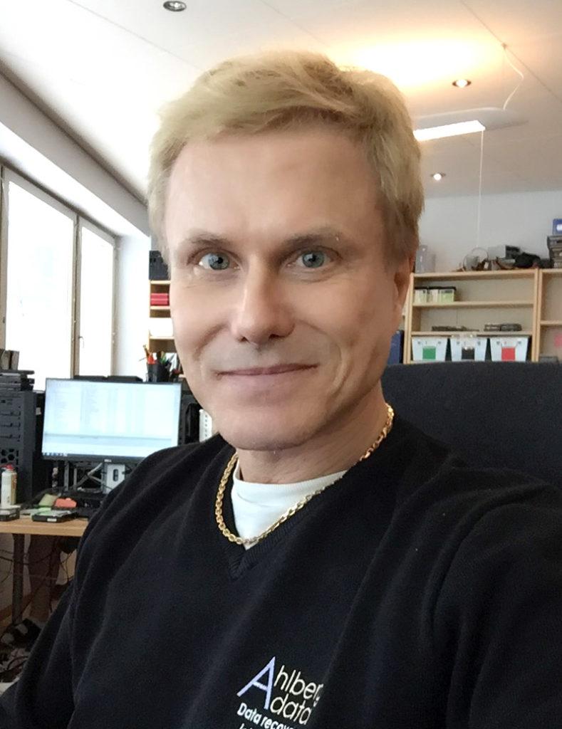 Personalen Ahlberg data. Från början bestod Ahlberg data av endast en man - Lasse Ahlberg.