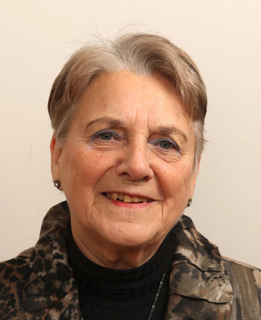 Marianne Ahlberg vastaa yrityksen taloushallinnosta.