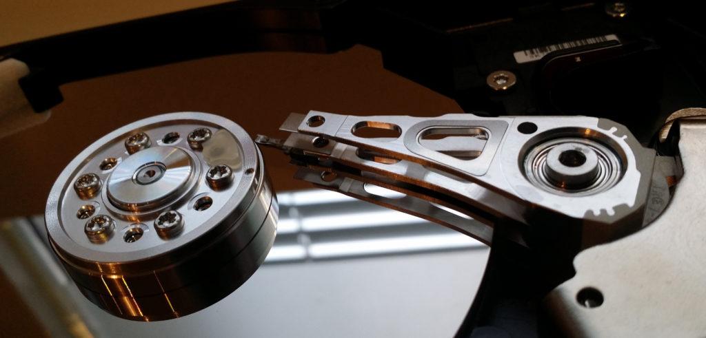 Pelastamme tiedostosi. Ahlberg data pelastaa tiedostosi rikkoontuneelta kovalevyltä ja muilta tallennuslaitteilta.